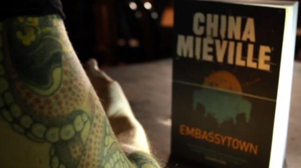 Чайна Миевил за Embassytown (видео)