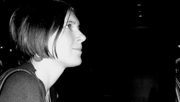 Поли Муканова – Гласът е винаги тя (стихотворения)