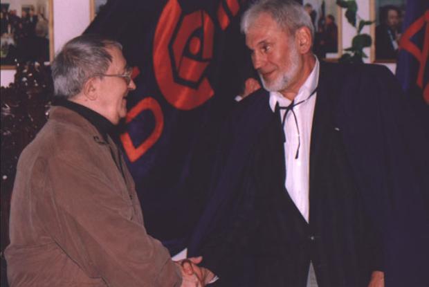 С Борис Натанович Стругацки: ръкостискане